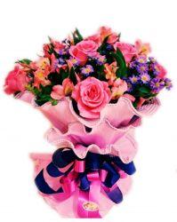 Ramalhete Especial de Rosas e Astromelias